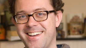 Onderzoeker Bart Wallet praat projectgroep bij